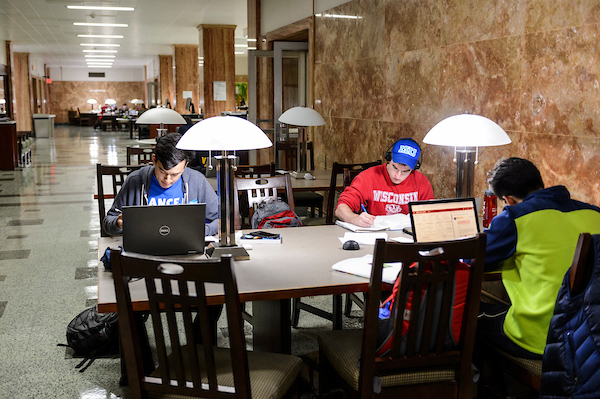 Students use their laptop computers while working in one of several quiet study areas in the Memorial Library at the University of Wisconsin-Madison on Sept. 30, 2018. (Photo by Jeff Miller / UW-Madison)